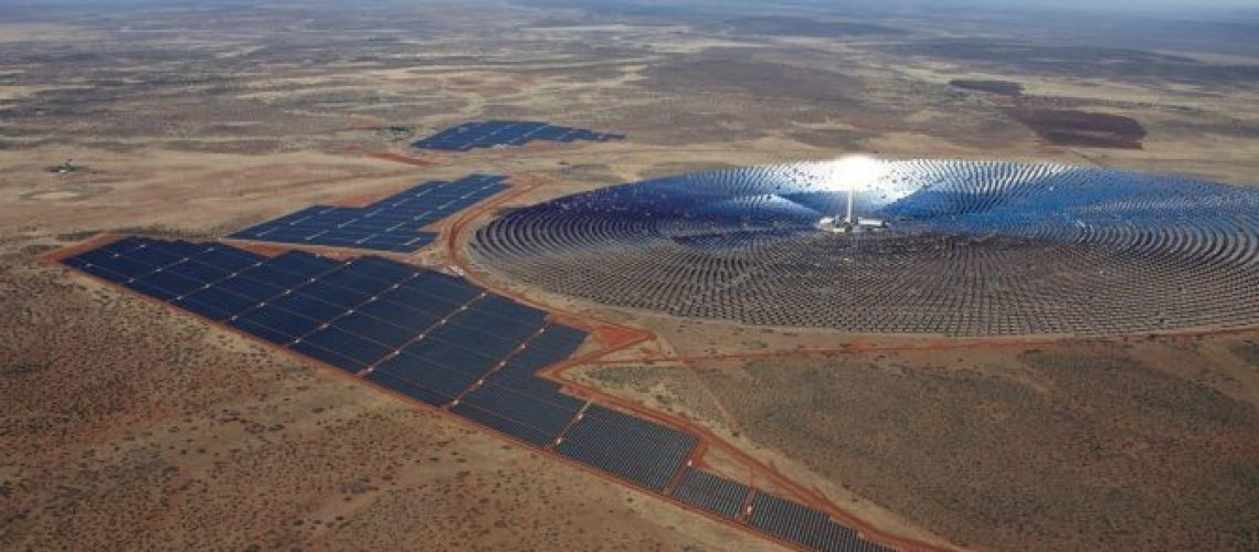 100-MW-Redstone-Solar-with-12-Hours-Daily-Thermal-Energy-Storage-Closes-Financing-672x372